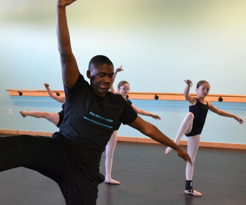 Pre-teen & Teenage dance students feel welcome and encouraged in Wilmington NC